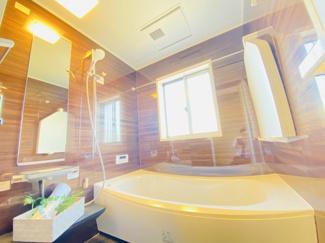 千葉市若葉区桜木北 中古戸建て 桜木駅 リフォーム済みの浴室乾燥機付きのユニットバスとなっております。