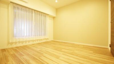 全居室にWIC付、収納豊富でお部屋の空間を有効にお使いいただけます。
