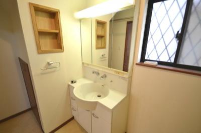 1階和室 扉を外せば、リビングとワンフロアでご利用いただけます。