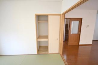 階段 採光窓で明るさ・通風を確保