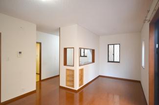 IHクッキングヒーター搭載の対面式キッチン