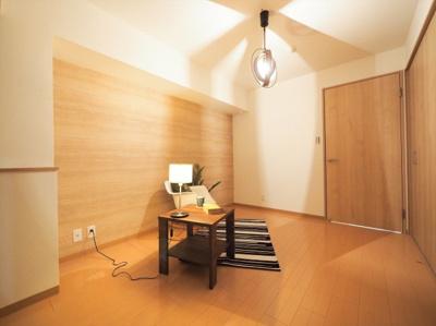 【ホームステージング済み】 室内の家具・照明・小物類も差し上げます♪