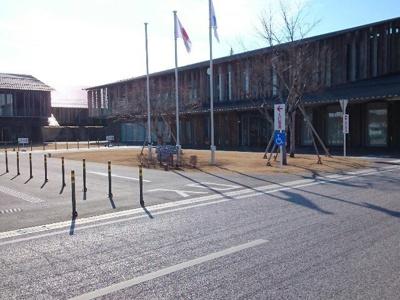 富岡市役所まで1000m