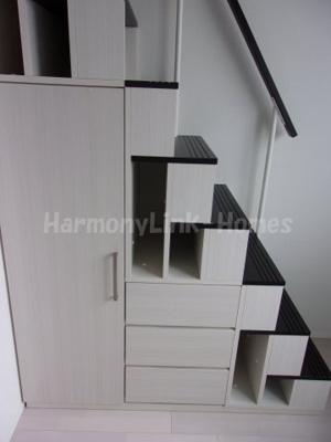 ハーモニーテラス長崎Ⅲの収納階段