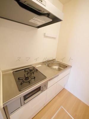 お料理楽々システムキッチン・ガスコンロ2口・グリル付きです。