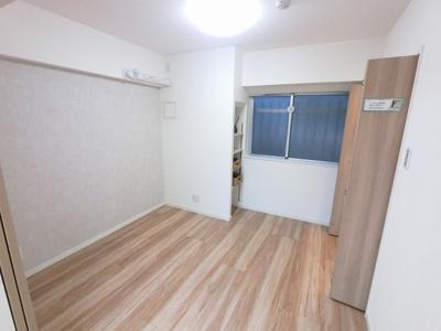 4.4帖の洋室は主寝室にいかがでしょうか。