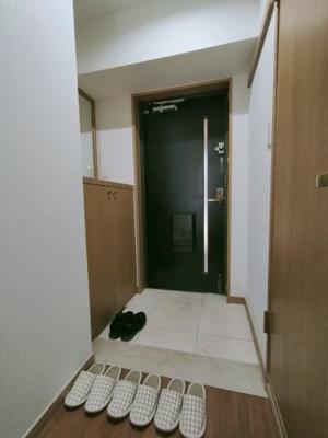 玄関にはシューズボックス完備です。新たに購入しなくてよいので、コストを抑えられますね♪