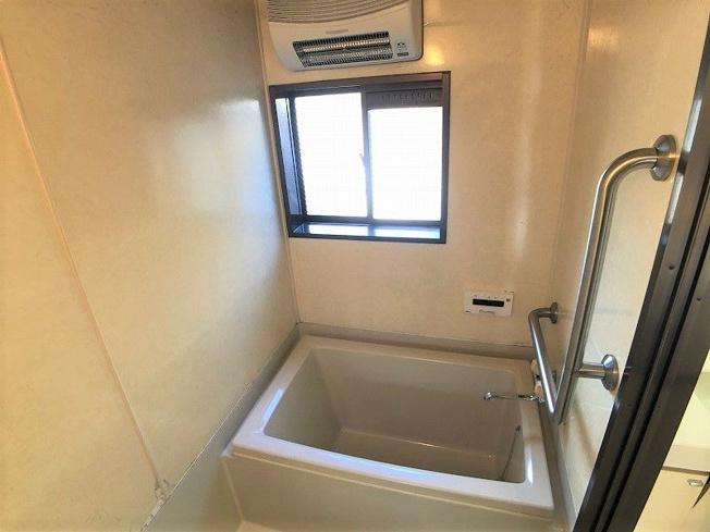 【浴室】古賀市中央6丁目戸建