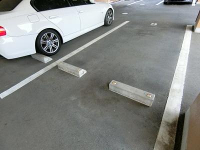 【駐車場】ケンブリッジアサカ