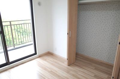 主寝室約7.2帖のクローゼット開放