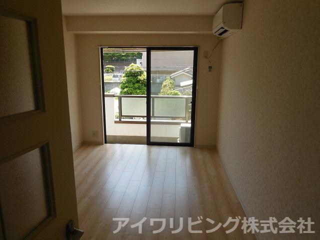 ※写真は203号室【サン・テラス】
