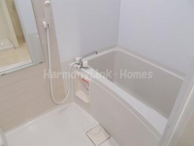 パークアベニューコート五反野の落ち着いた空間のお風呂です☆