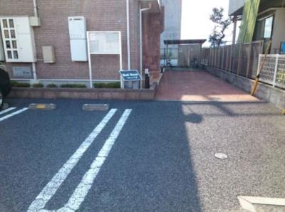 【駐車場】ベル レーヴ