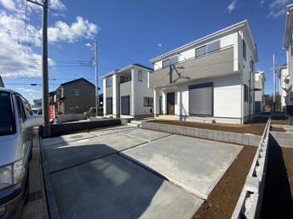 敷地面積は約49.9坪から約57.0坪と広く全棟駐車スペースは2~3台可能です。