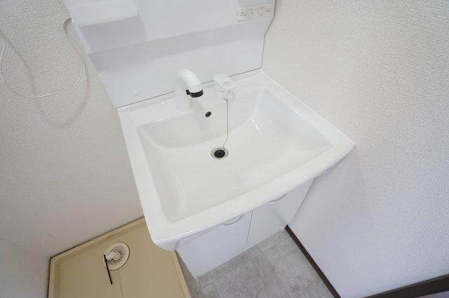 シャワー付洗面化粧台