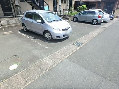 【駐車場】ルーム緑ノ丘