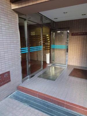 【エントランス】楠青山ビル別館