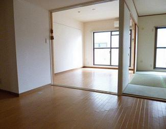 【居間・リビング】越谷市千間台西5丁目一棟マンション