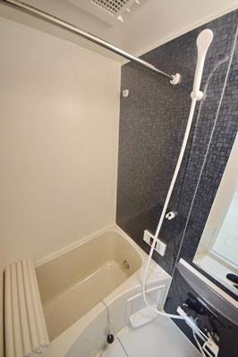 コンパクトで使いやすいお風呂です ※写真は別部屋のイメージ用写真です。