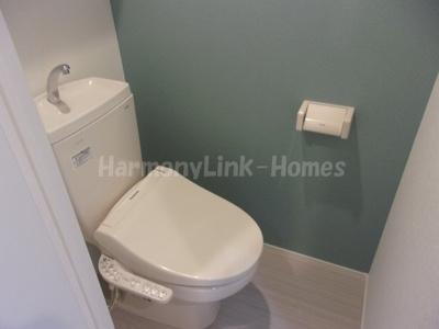 プランドール西荻のゆったりとした空間のトイレです