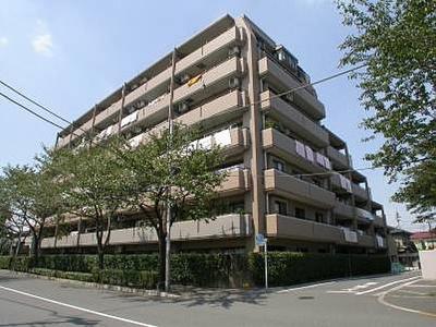 大江戸線「練馬春日町」駅徒歩約8分の立地。