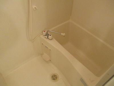 【浴室】オズレジデンス花園