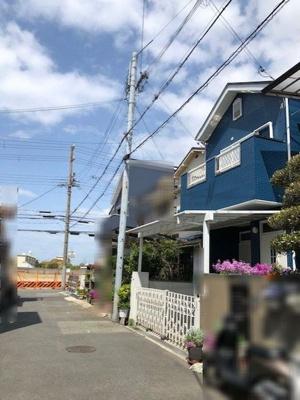 【前面道路含む現地写真】神戸市垂水区歌敷山2丁目 中古戸建