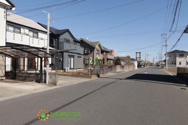 【前面道路含む現地写真】久喜市伊坂 中古一戸建て