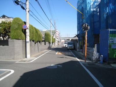 前面道路含む現地写真です 1.2号棟