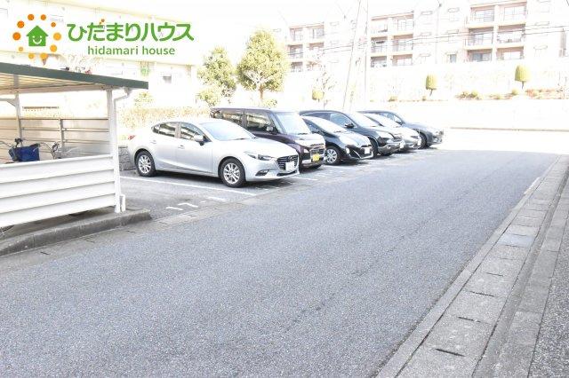 【駐車場】東新井団地17号棟