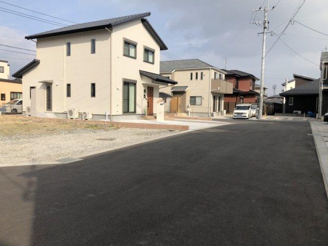 【前面道路含む現地写真】佐賀市巨勢 11号地