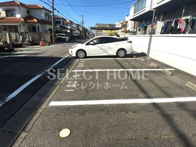 車をお持ちの方に嬉しい駐車場付きの物件です