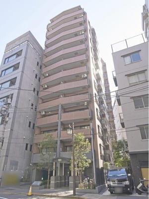 東京メトロ南北線、都営大江戸線「麻布十番」駅徒歩約3分。