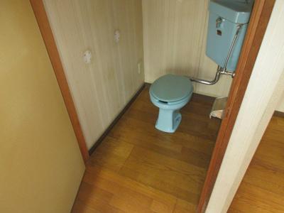【トイレ】吹田市泉町