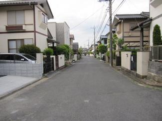 車通りの少ない住宅地です