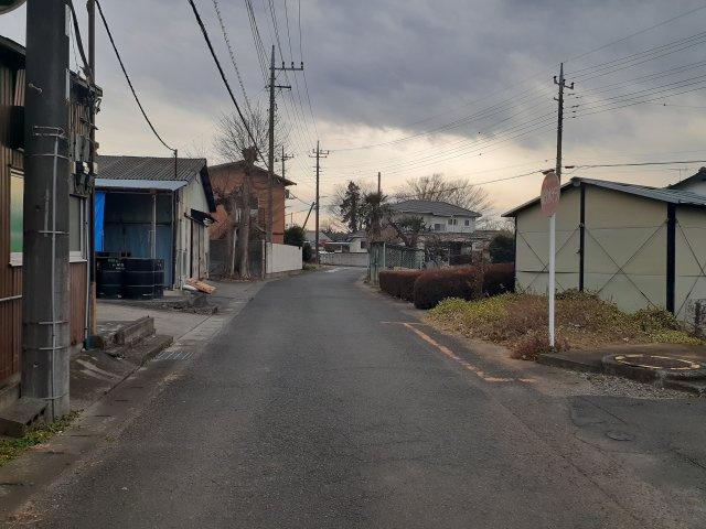 前面道路:東側道路約4.9m公道に約13m接道