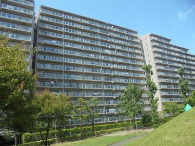 緑溢れる住環境、総戸数992戸で管理体制良好です