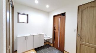 玄関に手洗い場があります