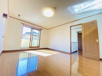 千葉市中央区都町 中古一戸建て 千葉駅 ウォークイン付きの主寝室!東南側で開放的!バルコニーも付いております!