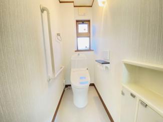 千葉市中央区都町 中古一戸建て 千葉駅 1、2Fトイレ共に収納もございます!