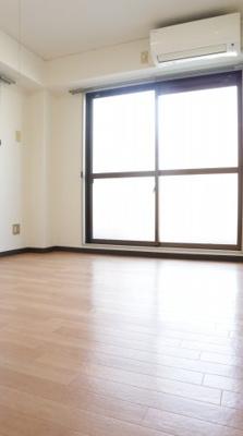 【洋室】シャトー第9神戸