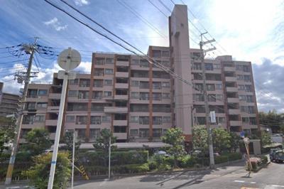【現地写真】 鉄筋コンクリート造9階建て♪ 総戸数60戸♪