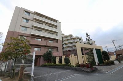 【現地写真】総戸数131戸のマンションです♪