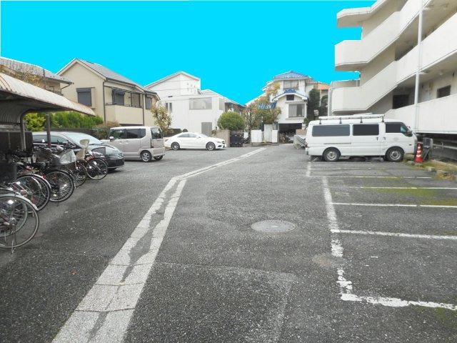 【外観】サンシャインフォーレスト駐車場