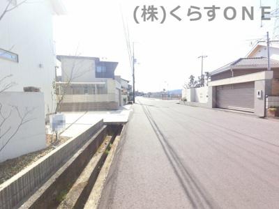【前面道路含む現地写真】姫路市御立東1丁目/中古戸建
