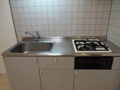 2口ガスコンロでお料理しやすいキッチンです