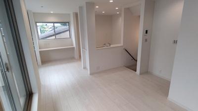2階リビングは明るく開放的♪ 新築戸建の事はマックバリュで住まい相談へお任せください。