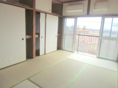 西側和室6畳、エアコン付