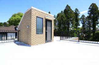 富里市七栄 中古戸建 成田駅 屋上ルーフバルコニー。広々としたルーフバルコニーは第二のお庭です。
