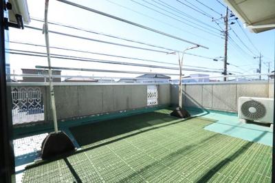 暖かな日差しのふりそそぐバルコニー 三郷新築ナビで検索